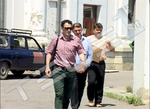 UPDATE: Gabriel Berca va fi cercetat în continuare în stare de arest preventiv. Înalta Curte de Casaţie şi Justiţie a respins contestaţia depusă de Berca într-un dosar în care este acuzat de DNA Bacau că a pretins şi primit de la un om de afaceri, în mai multe tranşe, suma totală de 185.000 euro