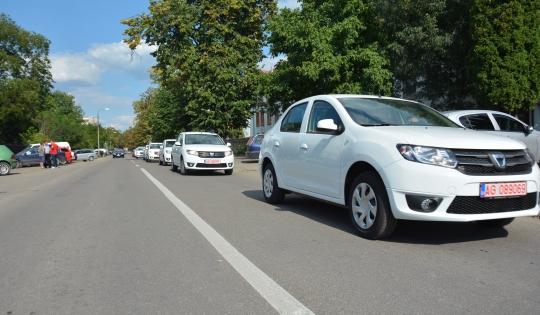 20 de autoturisme Dacia Logan au fost repartizate poliţiştilor din judeţul Bacău, pentru a fi folosite în misiunile desfăşurate pentru siguranţa cetăţenilor
