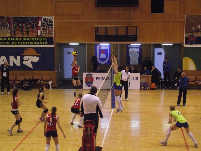 Volei feminin/ Știința Bacău- Universitatea Cluj 3-0 (25-11, 25-14, 25-22)