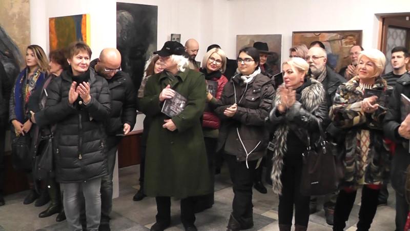 """""""PORTRETELE"""" LUI EMI ŞI OVIDIU SAVURATE DE ARTIŞTII BĂCĂUANI"""