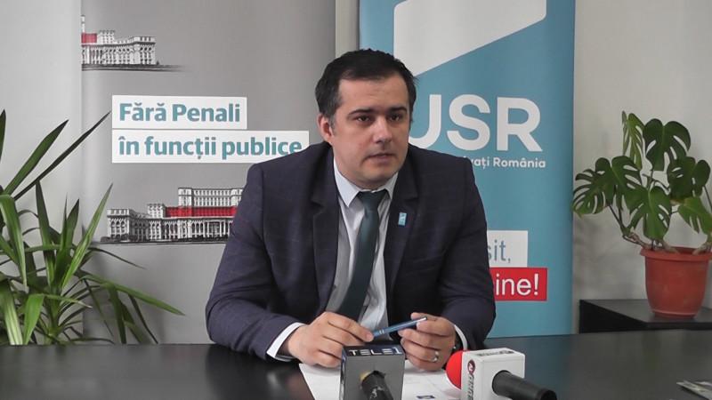 DEPUTATUL VIZITEU ŞI-A LANSAT SITE ANTI BLATURI POLITICE!