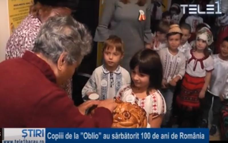 """Copiii de la """"Oblio"""" au sărbătorit 100 de ani de România"""