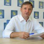 Băcăuanii plătesc pentru incompetența primarului Cosmin Necula și nepăsarea europarlamentarului Dragoș Benea!
