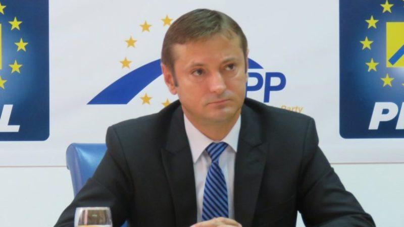 După ce a îngropat Spitalul Municipal Bacău, președintele PSD Dragoș Benea se acoperă din nou cu soluții ridicole